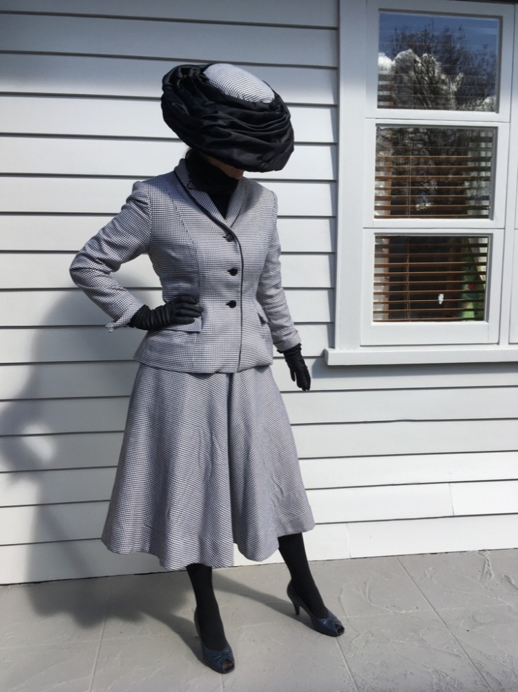 My vintage suit sew along tall looking down (1)