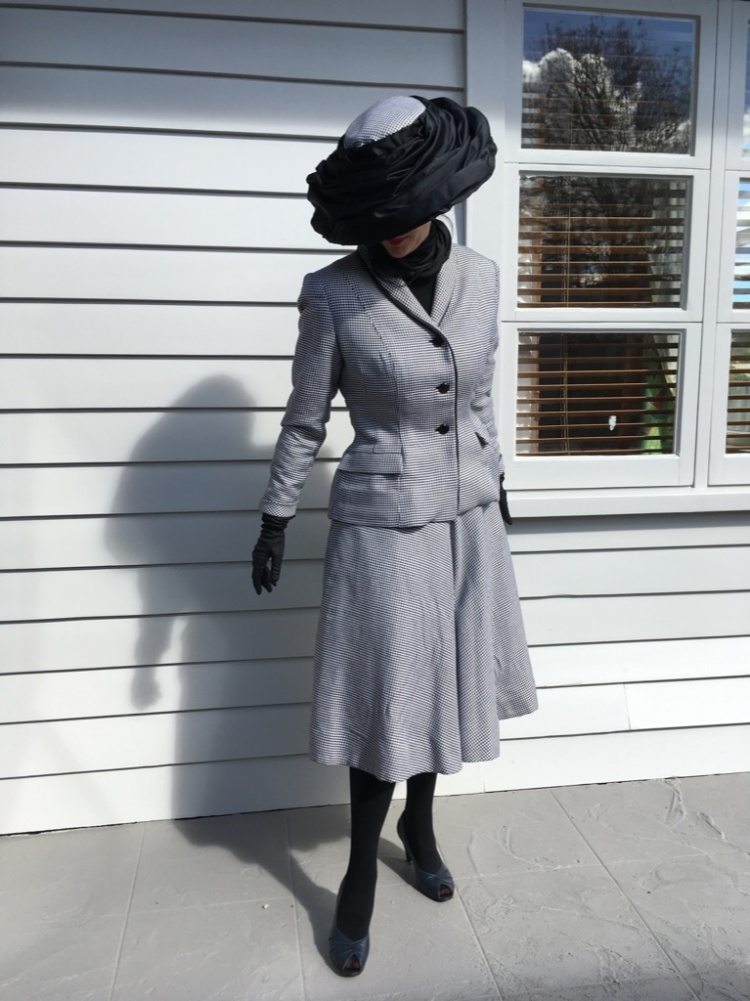 My vintage suit sew along tall looking down nice shot