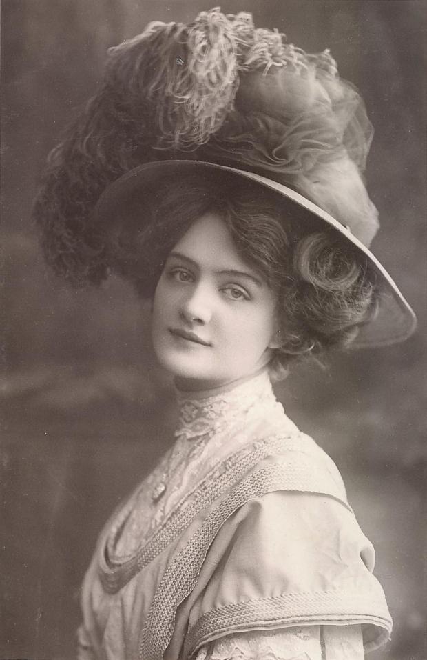Lily_Elsie_-_Postcard_-_Postmarked_Oct_1907