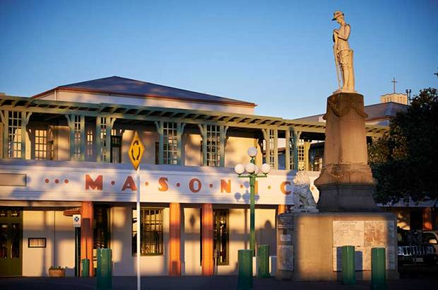 Art-Deco-Masonic-Hotel-Napier-Sunrise